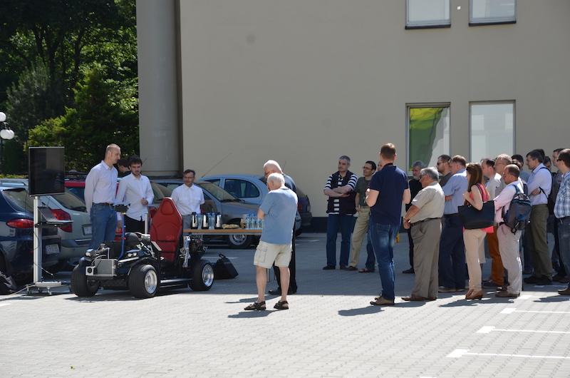 Przeglądasz obrazki do artykułu: Prezentacja prototypu autonomicznego pojazdu